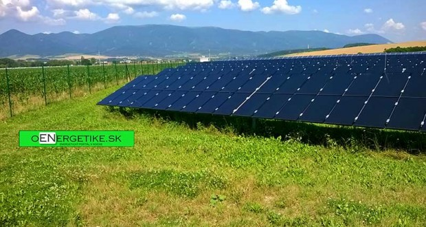 solárne panely na lúke